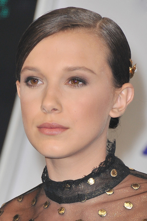 Millie Bobby Brown Age, Height, Drake, Feet, Parents